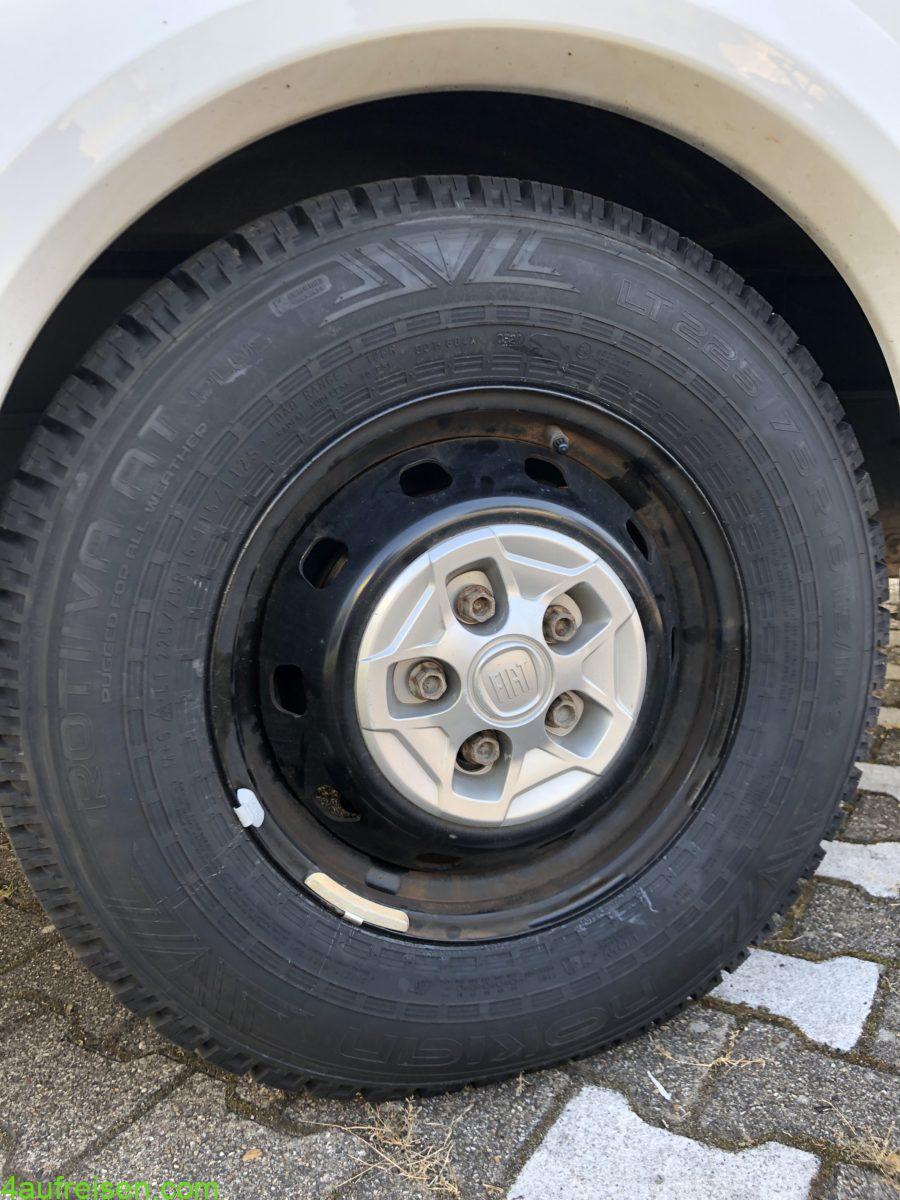 All-terrain Reifen fürs Womo.